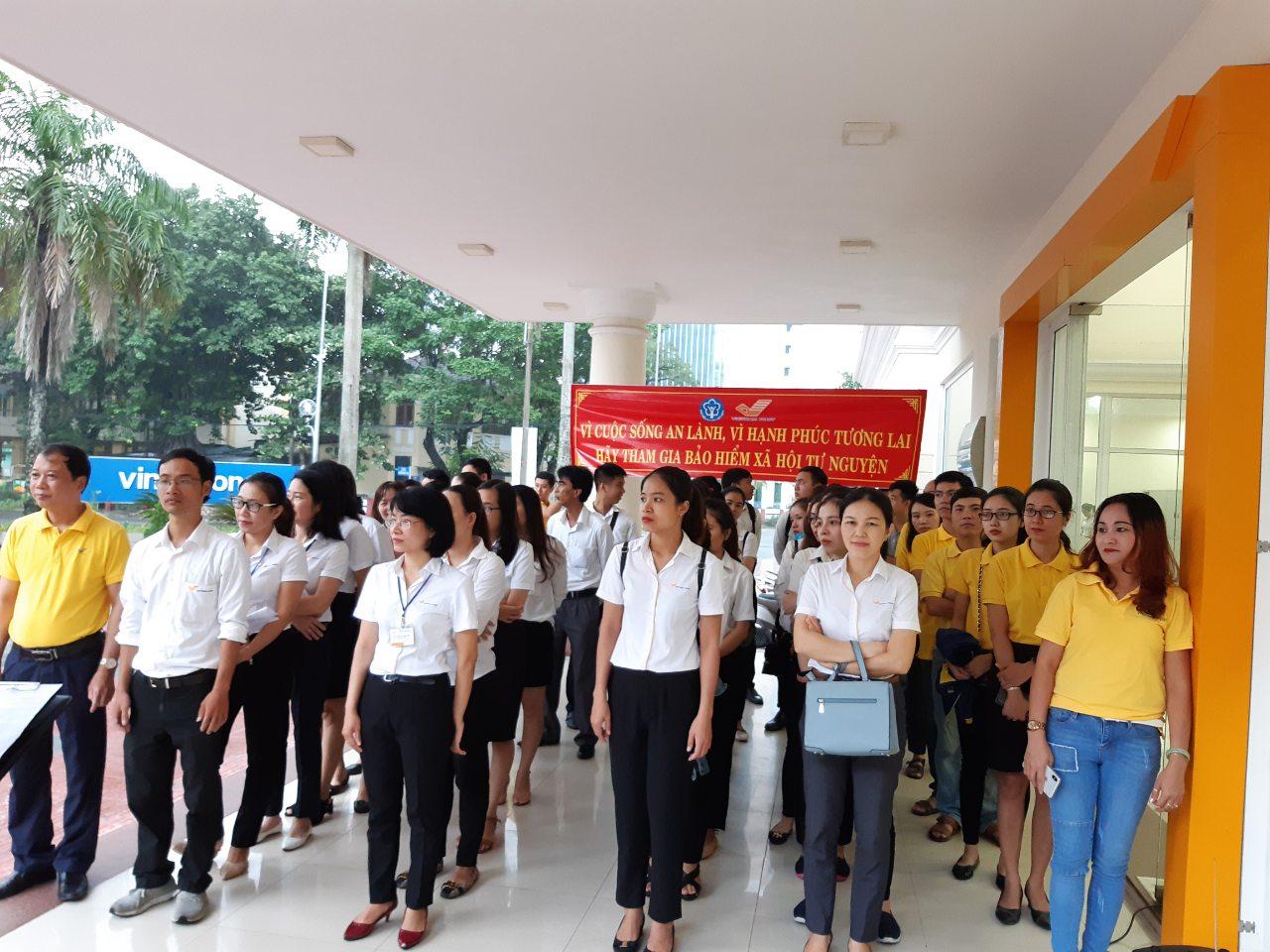 Lực lượng hùng hậu ra quân tuyên truyền và phát triển người tham gia BHXH tự nguyện của Bưu điện thành phố Huế