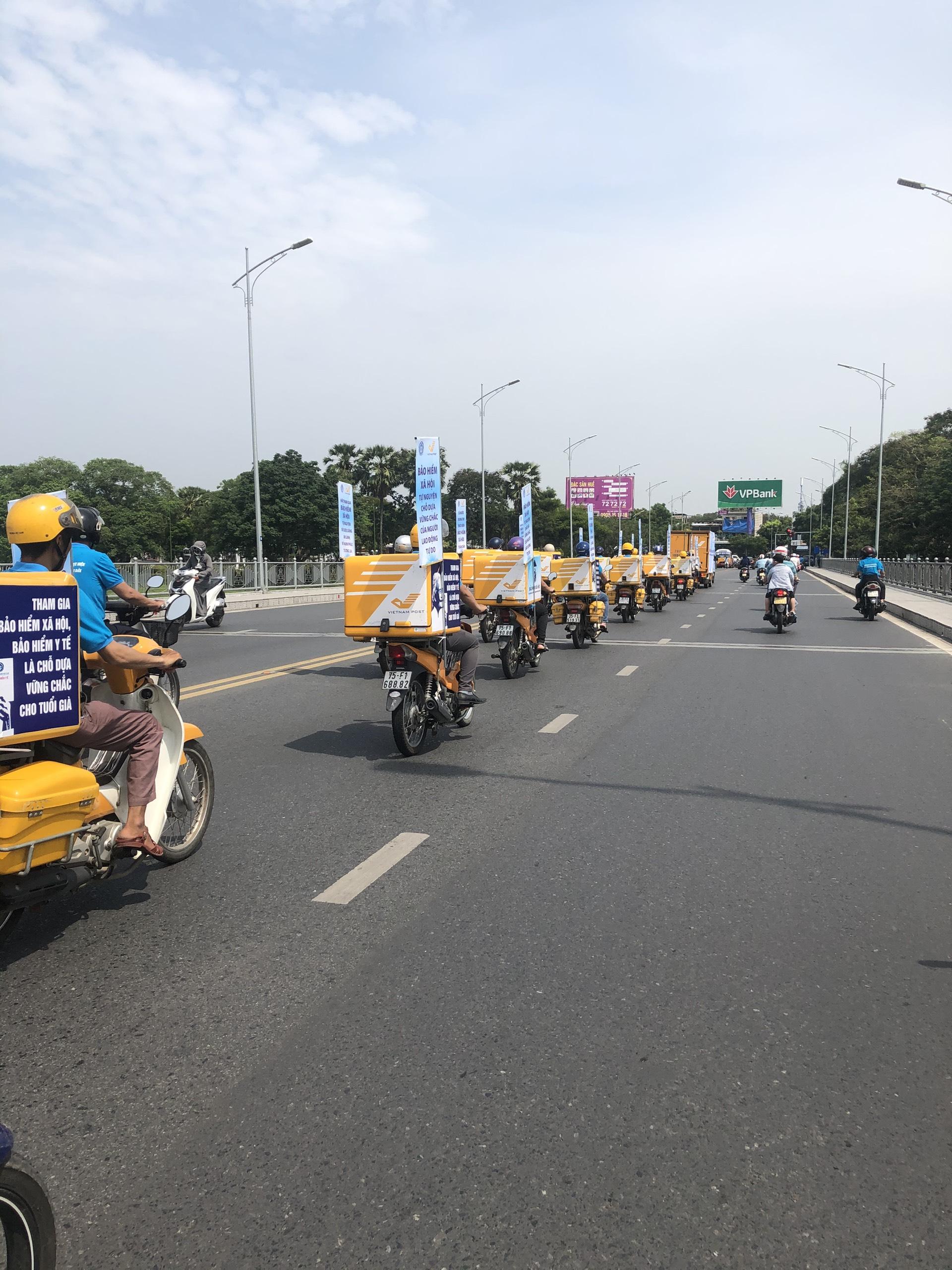 Đoàn xe tuyên truyền chính sách Bảo hiểm xã hội tự nguyện